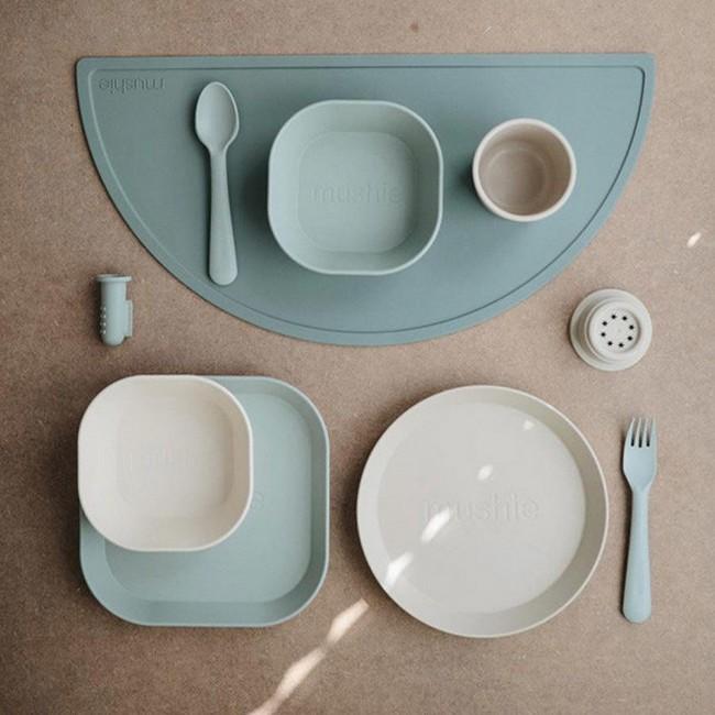 Mushie - Silikonska podloga za jelo cambridge blue